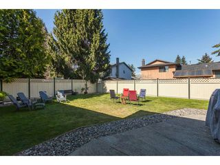 Photo 18: 13057 62B Avenue in Surrey: Panorama Ridge House for sale : MLS®# R2352954
