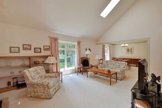 Photo 3: 310 COCHRANE Road in Gibsons: Gibsons & Area House for sale (Sunshine Coast)  : MLS®# R2363365