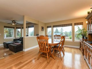 Photo 10: 2096 May Rd in COMOX: CV Comox Peninsula House for sale (Comox Valley)  : MLS®# 813161