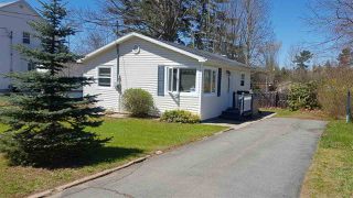 Photo 1: 643 ALDRED Drive in Greenwood: 404-Kings County Residential for sale (Annapolis Valley)  : MLS®# 201909919