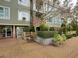 Photo 2: 308 988 West 54th Avenue in Hawthorne House: South Cambie Home for sale ()  : MLS®# R2040205