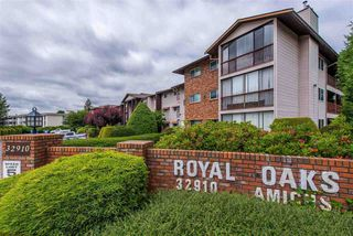 "Photo 2: 106 32910 AMICUS Place in Abbotsford: Central Abbotsford Condo for sale in ""Royal Oaks"" : MLS®# R2381104"