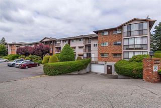 "Photo 3: 106 32910 AMICUS Place in Abbotsford: Central Abbotsford Condo for sale in ""Royal Oaks"" : MLS®# R2381104"