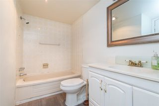 "Photo 17: 106 32910 AMICUS Place in Abbotsford: Central Abbotsford Condo for sale in ""Royal Oaks"" : MLS®# R2381104"