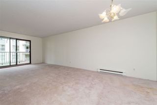 "Photo 8: 106 32910 AMICUS Place in Abbotsford: Central Abbotsford Condo for sale in ""Royal Oaks"" : MLS®# R2381104"
