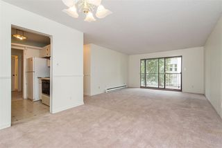 "Photo 9: 106 32910 AMICUS Place in Abbotsford: Central Abbotsford Condo for sale in ""Royal Oaks"" : MLS®# R2381104"