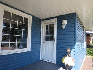 Photo 2: 4112 116 Street NW in Edmonton: Zone 16 House for sale : MLS®# E4172702