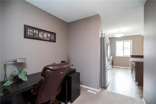 Photo 10: 71 Village Cove in Winnipeg: Waterside Estates Residential for sale (2G)  : MLS®# 1930490