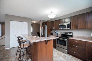 Photo 9: 71 Village Cove in Winnipeg: Waterside Estates Residential for sale (2G)  : MLS®# 1930490