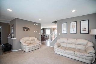 Photo 3: 71 Village Cove in Winnipeg: Waterside Estates Residential for sale (2G)  : MLS®# 1930490