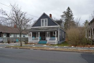 Photo 1: 658 WEST MAIN Street in Kentville: 404-Kings County Residential for sale (Annapolis Valley)  : MLS®# 201927084