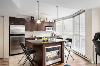 """Photo 2: 302 1199 SEYMOUR Street in Vancouver: Downtown VW Condo for sale in """"BRAVA"""" (Vancouver West)  : MLS®# R2428996"""