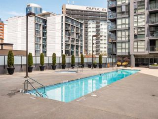 """Photo 15: 302 1199 SEYMOUR Street in Vancouver: Downtown VW Condo for sale in """"BRAVA"""" (Vancouver West)  : MLS®# R2428996"""