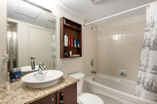 """Photo 11: 302 1199 SEYMOUR Street in Vancouver: Downtown VW Condo for sale in """"BRAVA"""" (Vancouver West)  : MLS®# R2428996"""