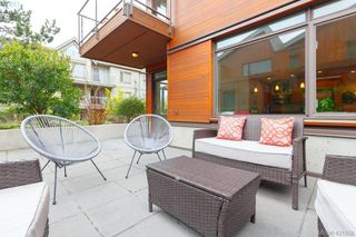 Photo 2: 103 3610 Richmond Rd in VICTORIA: SE Mt Tolmie Condo for sale (Saanich East)  : MLS®# 834987