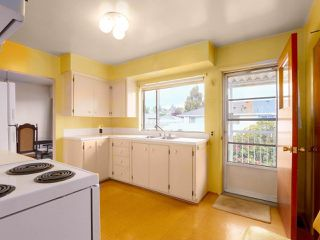 "Photo 8: 475 CUMBERLAND Street in New Westminster: The Heights NW House for sale in ""The Heights"" : MLS®# R2455900"