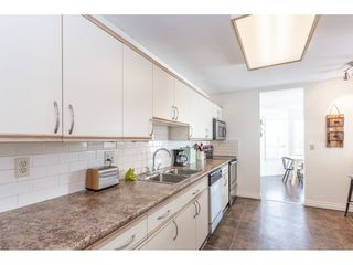 """Photo 3: 307 1830 E SOUTHMERE Crescent in Surrey: Sunnyside Park Surrey Condo for sale in """"Southmere Mews"""" (South Surrey White Rock)  : MLS®# R2466691"""
