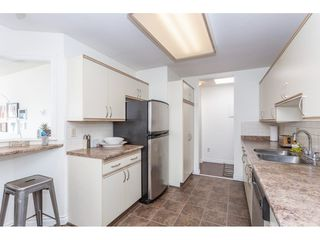 """Photo 4: 307 1830 E SOUTHMERE Crescent in Surrey: Sunnyside Park Surrey Condo for sale in """"Southmere Mews"""" (South Surrey White Rock)  : MLS®# R2466691"""