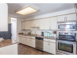 """Photo 5: 307 1830 E SOUTHMERE Crescent in Surrey: Sunnyside Park Surrey Condo for sale in """"Southmere Mews"""" (South Surrey White Rock)  : MLS®# R2466691"""