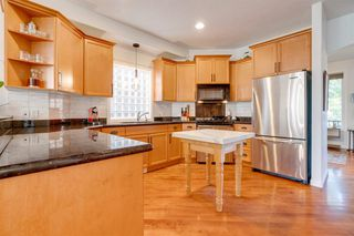 Photo 6: 519 53 Avenue SW in Calgary: Windsor Park Detached for sale : MLS®# A1036002