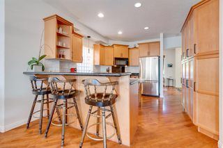 Photo 9: 519 53 Avenue SW in Calgary: Windsor Park Detached for sale : MLS®# A1036002
