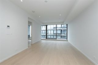 "Photo 5: 502 1327 BELLEVUE Avenue in West Vancouver: Ambleside Condo for sale in ""GROSVENOR AMBLESIDE"" : MLS®# R2516607"