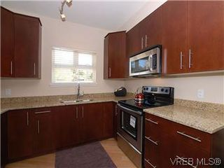 Photo 6: 118 21 Conard St in : VR Hospital Condo Apartment for sale (View Royal)  : MLS®# 569626