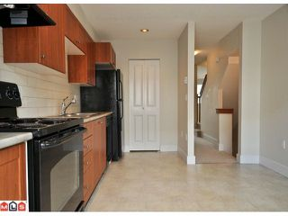"Photo 5: 40 16233 83RD Avenue in Surrey: Fleetwood Tynehead Townhouse for sale in ""VERANDA"" : MLS®# F1125502"
