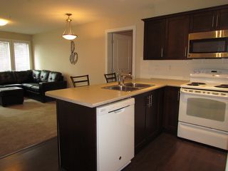 Photo 2: # 112 9422 VICTOR ST in Chilliwack: Chilliwack N Yale-Well Condo for sale : MLS®# H1302562
