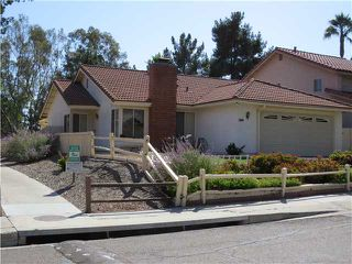 Photo 2: SPRING VALLEY House for sale : 3 bedrooms : 10447 Pine Grove Street