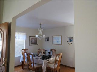 Photo 5: SPRING VALLEY House for sale : 3 bedrooms : 10447 Pine Grove Street