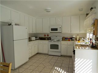 Photo 6: SPRING VALLEY House for sale : 3 bedrooms : 10447 Pine Grove Street