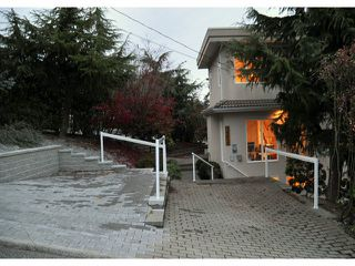 """Photo 18: 14410 SUNSET Lane: White Rock House for sale in """"MARINE DRIVE WEST"""" (South Surrey White Rock)  : MLS®# F1413087"""