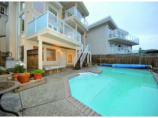 """Photo 3: 14410 SUNSET Lane: White Rock House for sale in """"MARINE DRIVE WEST"""" (South Surrey White Rock)  : MLS®# F1413087"""