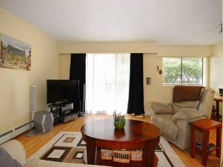 "Photo 3: 108 175 E 5TH Street in North Vancouver: Lower Lonsdale Condo for sale in ""WELLINGTON MANOR"" : MLS®# V1121964"
