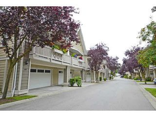 "Photo 2: 48 2588 152ND Street in Surrey: King George Corridor Townhouse for sale in ""Woodgrove"" (South Surrey White Rock)  : MLS®# F1445170"