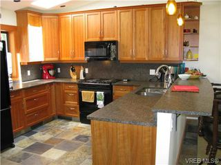 Photo 6: 122 Menhinick Dr in SALT SPRING ISLAND: GI Salt Spring House for sale (Gulf Islands)  : MLS®# 709248