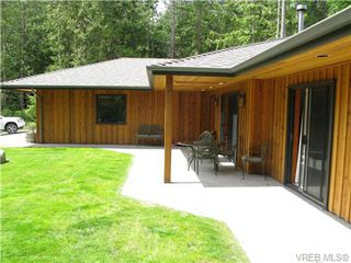 Photo 3: 122 Menhinick Dr in SALT SPRING ISLAND: GI Salt Spring House for sale (Gulf Islands)  : MLS®# 709248