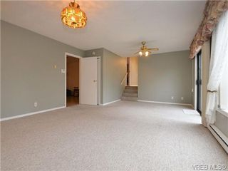 Photo 9: 826 Cameo Street in VICTORIA: SE High Quadra Single Family Detached for sale (Saanich East)  : MLS®# 360683