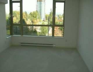 "Photo 3: 6838 STATION HILL Drive in Burnaby: South Slope Condo for sale in ""THE BELGRAVIA"" (Burnaby South)  : MLS®# V619284"