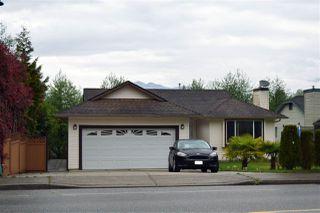Main Photo: 5850 TRAIL Avenue in Sechelt: Sechelt District House for sale (Sunshine Coast)  : MLS®# R2060562