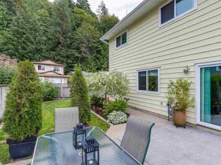 Photo 3: 1885 BLUFF Way in Coquitlam: River Springs House for sale : MLS®# R2094392
