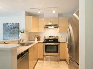"Photo 10: 202 3023 W 4TH Avenue in Vancouver: Kitsilano Condo for sale in ""DELANO"" (Vancouver West)  : MLS®# R2099188"