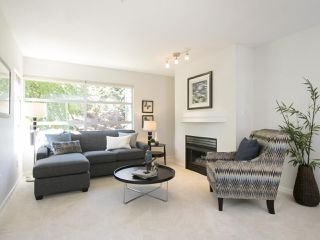 "Photo 3: 202 3023 W 4TH Avenue in Vancouver: Kitsilano Condo for sale in ""DELANO"" (Vancouver West)  : MLS®# R2099188"