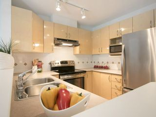 "Photo 11: 202 3023 W 4TH Avenue in Vancouver: Kitsilano Condo for sale in ""DELANO"" (Vancouver West)  : MLS®# R2099188"