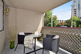 """Photo 9: 202 436 SEVENTH Street in New Westminster: Uptown NW Condo for sale in """"REGENCY COURT"""" : MLS®# R2099658"""