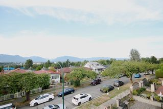 Photo 3: 2438 E 27TH Avenue in Vancouver: Collingwood VE House for sale (Vancouver East)  : MLS®# R2107507