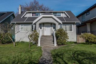 Photo 1: 2445 W 10TH Avenue in Vancouver: Kitsilano House for sale (Vancouver West)  : MLS®# R2135608
