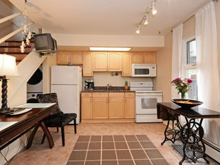 Photo 4: 42 870 W 7TH Avenue in Vancouver: Fairview VW Townhouse for sale (Vancouver West)  : MLS®# R2162016