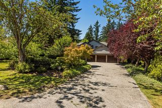 "Photo 1: 2683 NORTHCREST Drive in Surrey: Sunnyside Park Surrey House for sale in ""Woodshire Park"" (South Surrey White Rock)  : MLS®# R2185453"